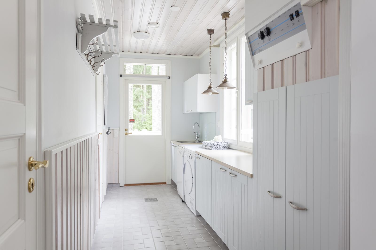 Maalaisromanttinen kodinhoitohuone  Etuovi com Ideat & vinkit