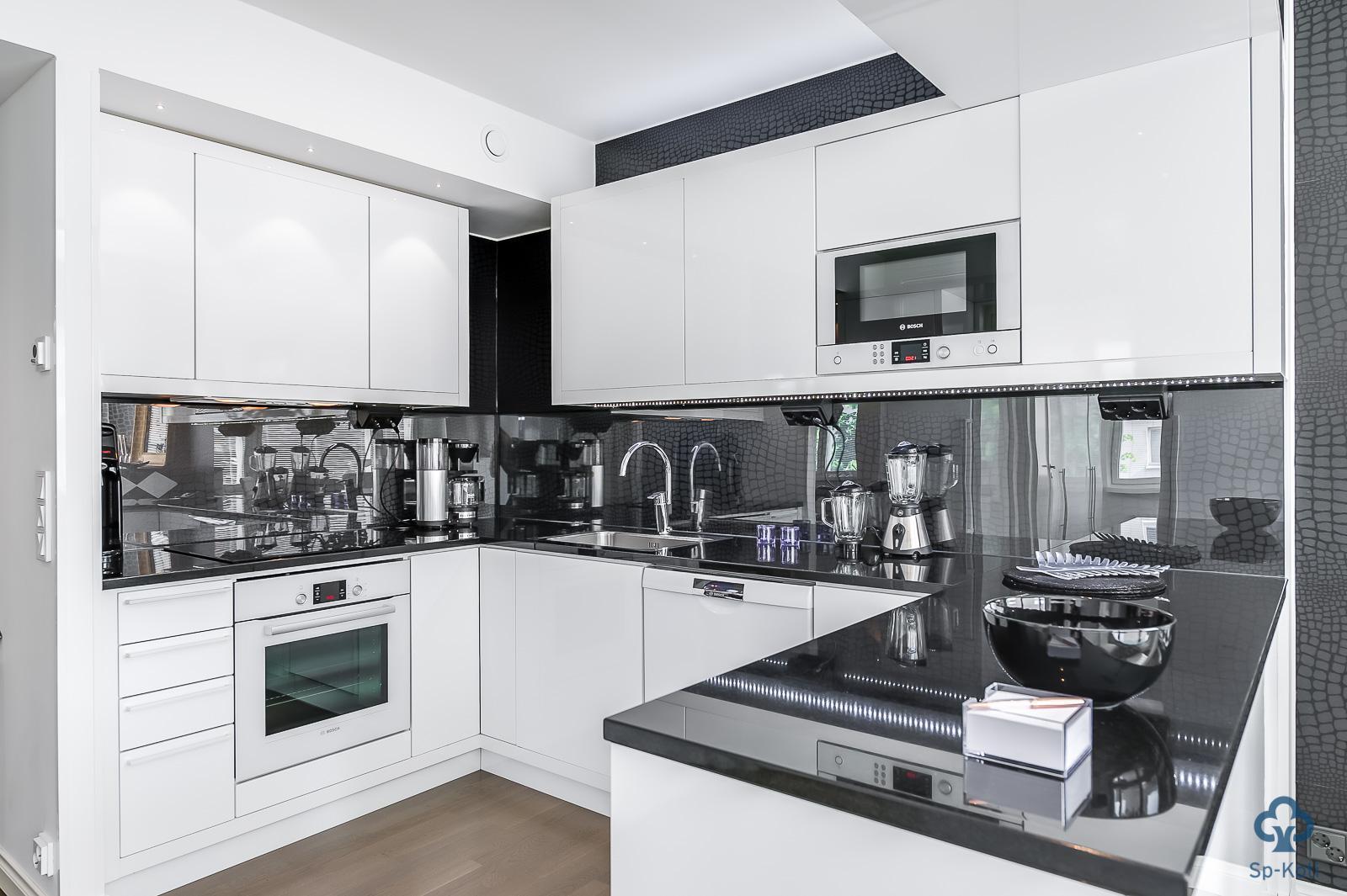 Moderni keittiö 9615069  Etuovi com Ideat & vinkit