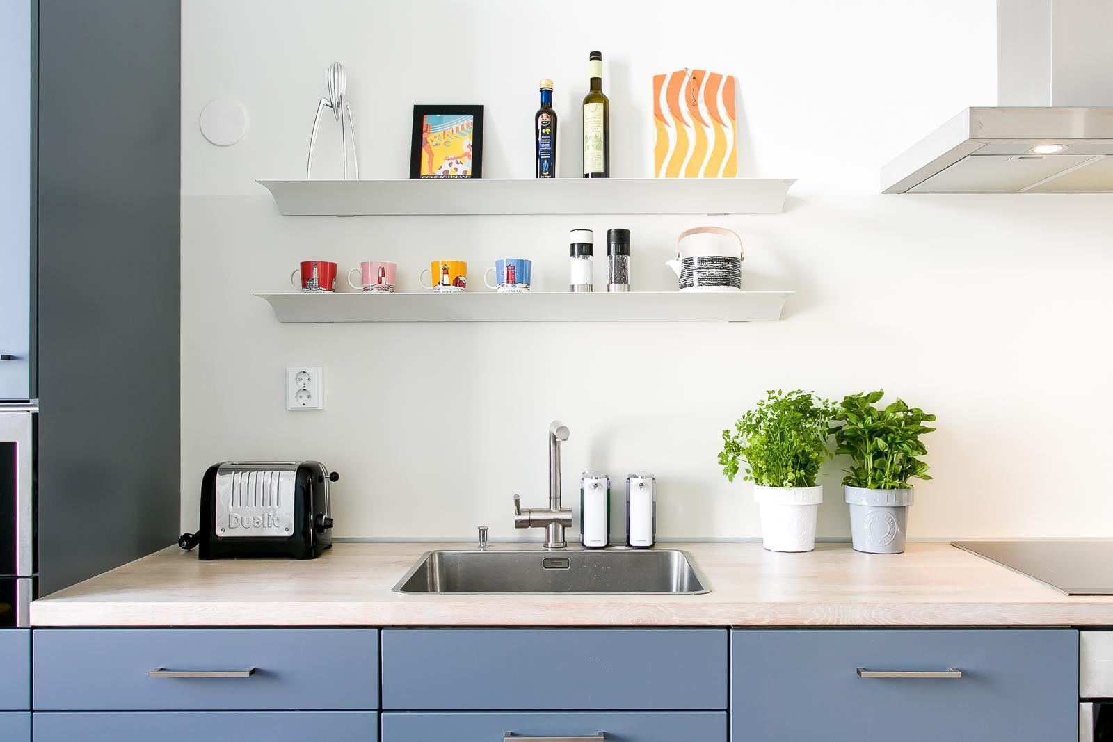 Avohyllyt tuovat kodikkuutta keittiöön  Etuovi com Ideat & vinkit