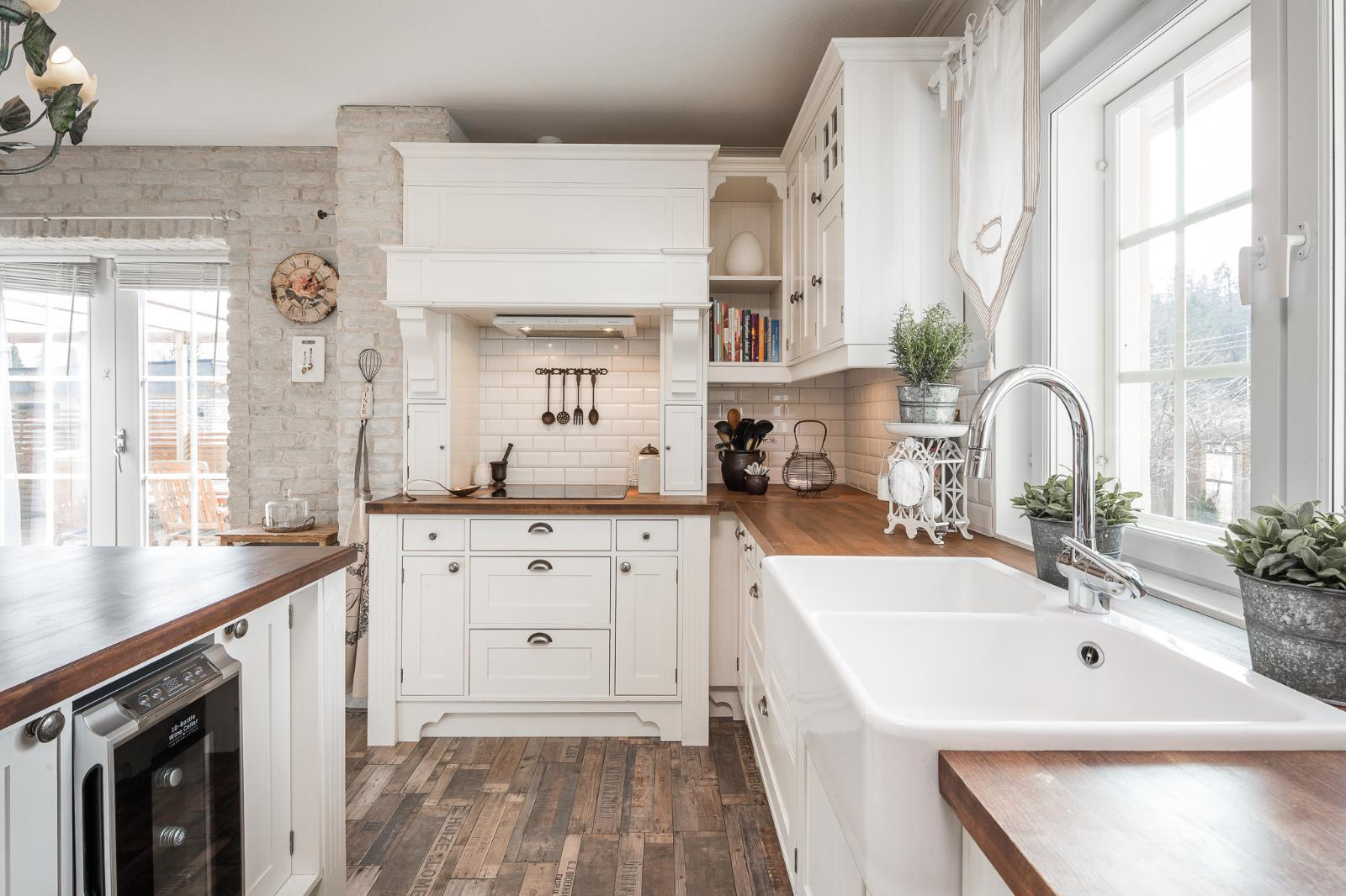 Lämmin ja kodikas tunnelma keittiössä  Etuovi com Ideat & vinkit