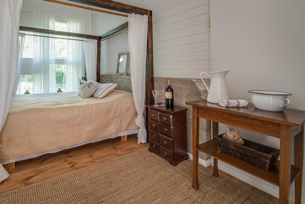 Maalaisromanttinen makuuhuone  Etuovi com Ideat & vinki