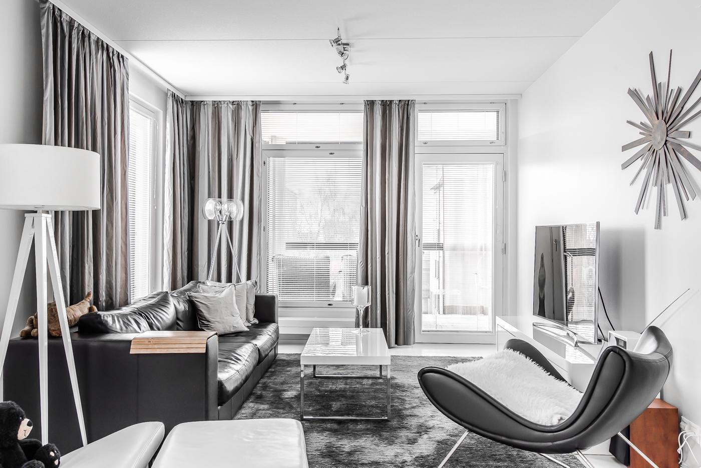 Tyylikäs mustavalkoinen olohuone  Etuovi com Ideat & vinkit