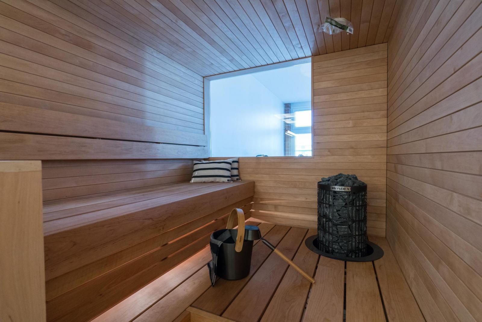 Saunaan valoa makuuhuoneen ikkunan kautta  Etuovi com Ideat & vinkit