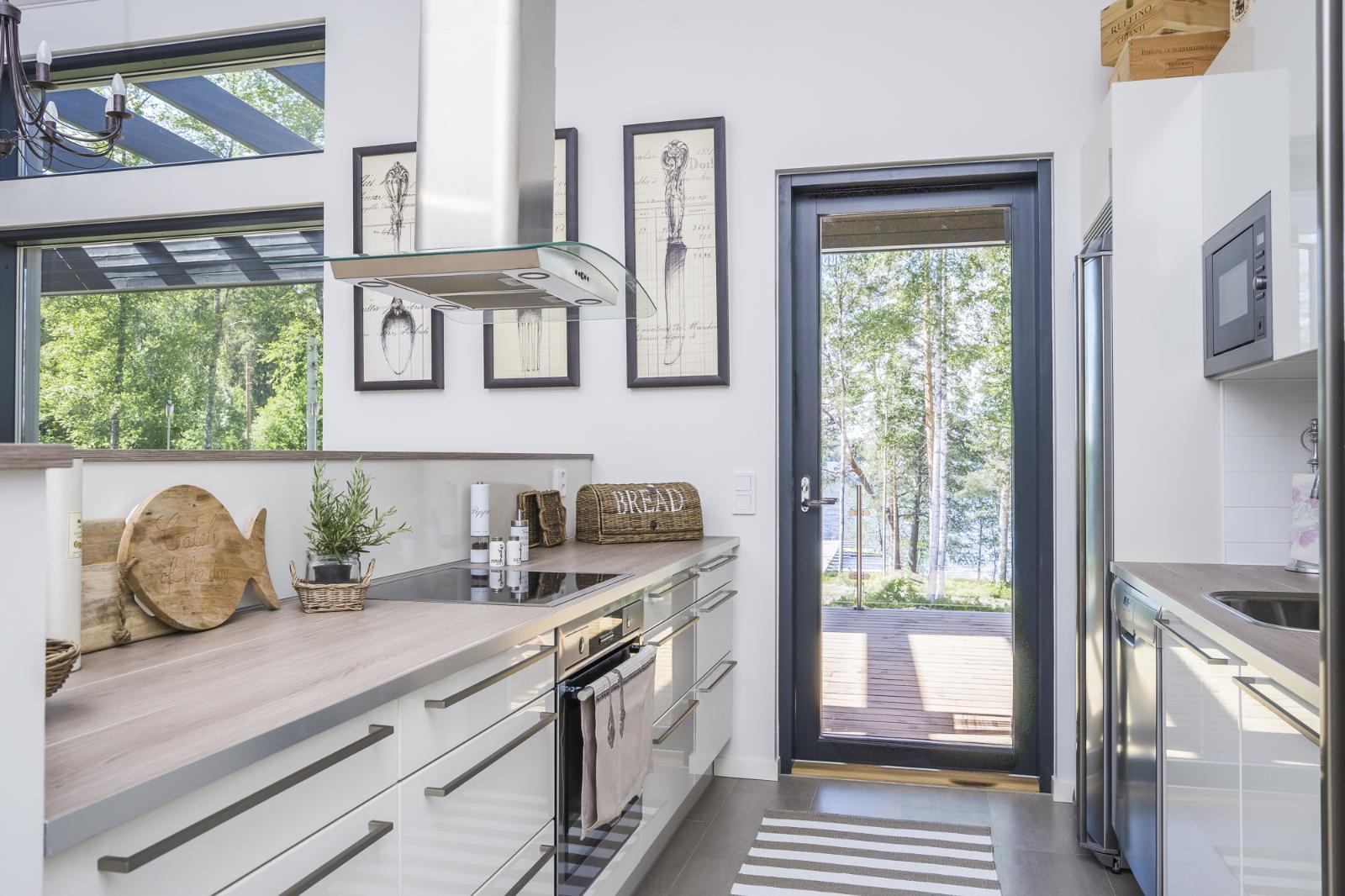 Moderni keittiö maalaisromanttisin maustein  Etuovi com Ideat & vinkit