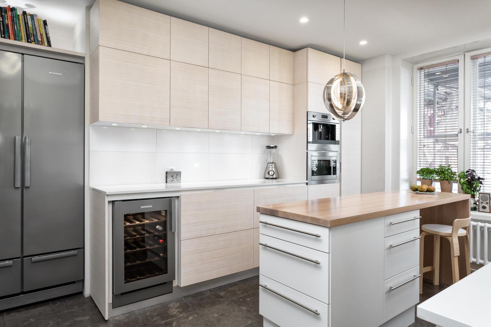 Kaunis vaaleansävyinen keittiö  Etuovi com Ideat & vinkit