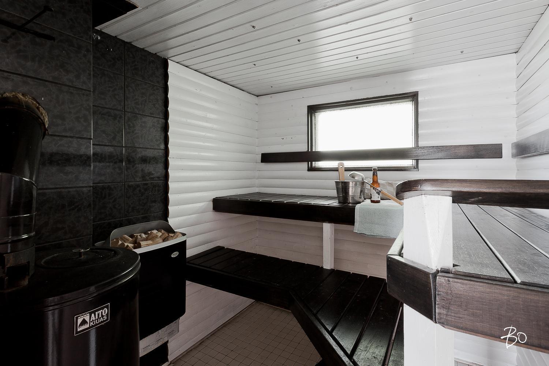 Mustavalkoinen sauna kahdella kiukaalla  Etuovi com Ideat & vinkit