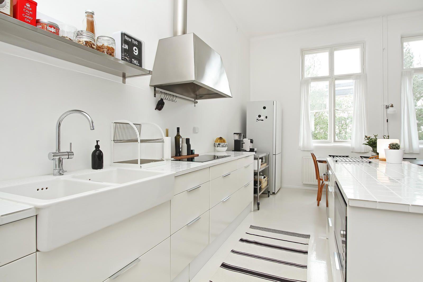 Laadukas, remontoitu keittiö saarekkeella  Etuovi com Ideat & vinkit