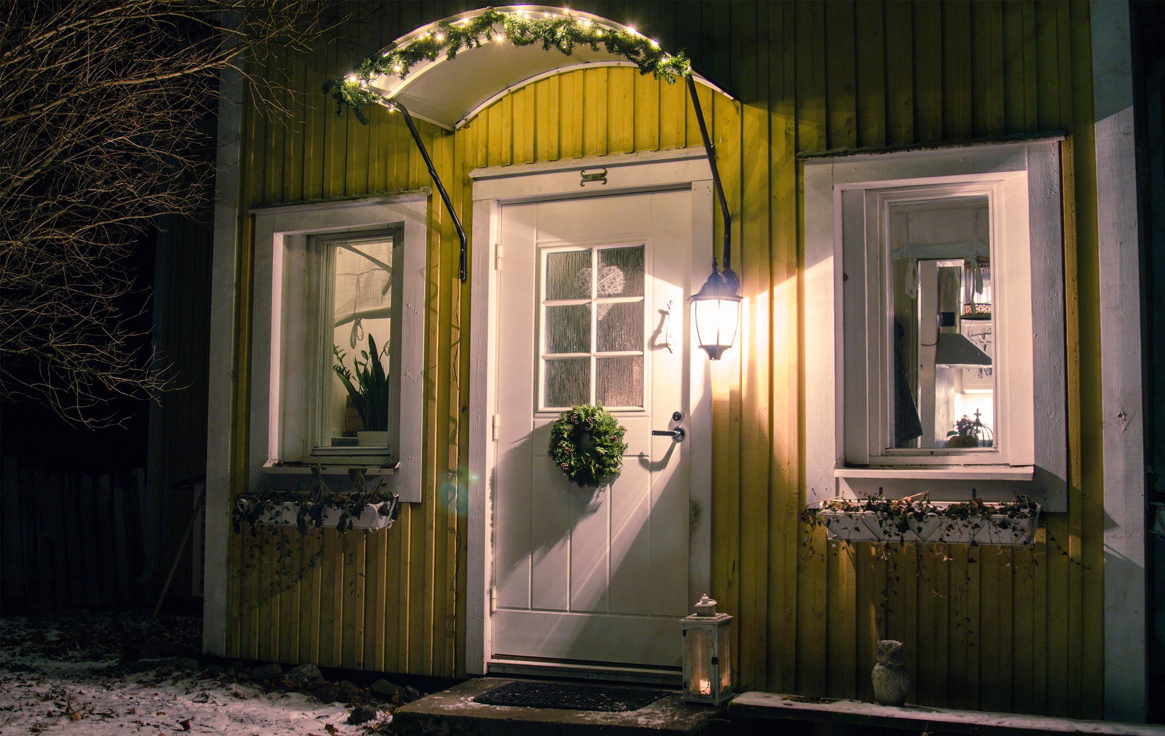 pieni-talo-pirkanmaalla-joulu-julkisivu_1