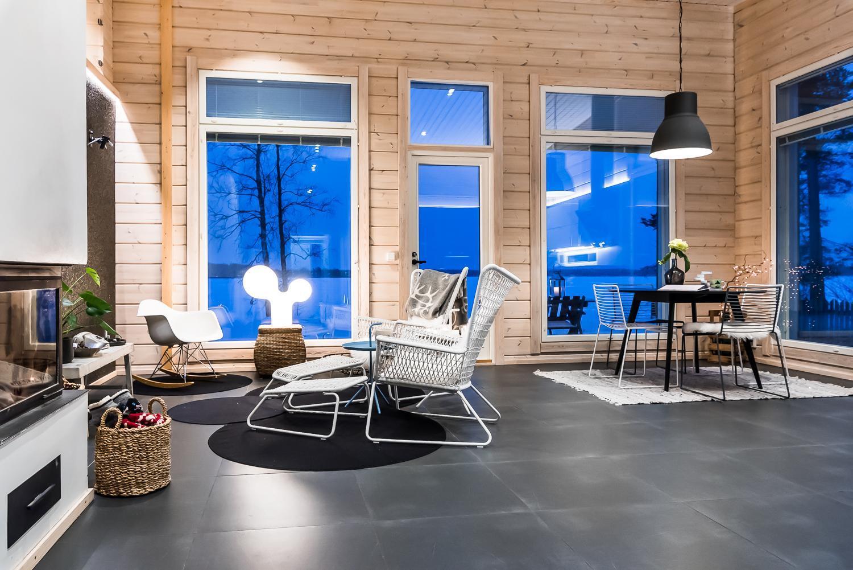 Upea moderni hirsimökki järvinäkymillä  Etuovi com Ideat & vinkit