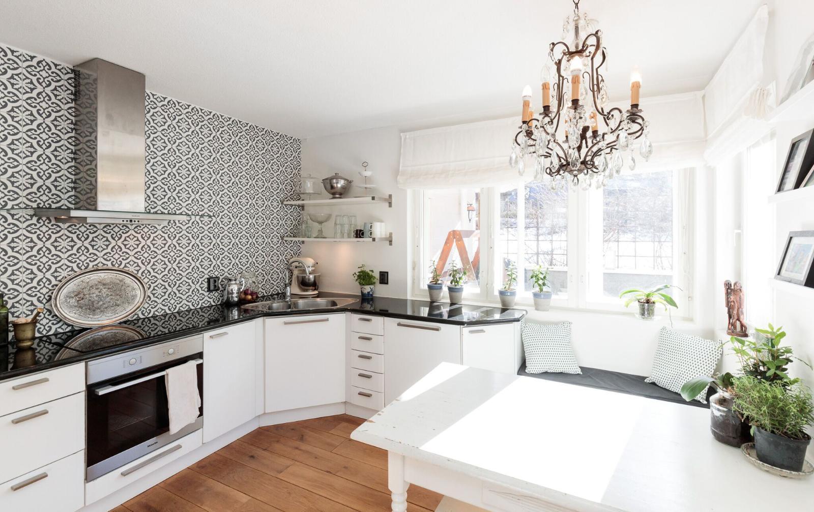 Valkoinen keittiö, valoisa keittiö  Etuovi com Ideat & vinkit