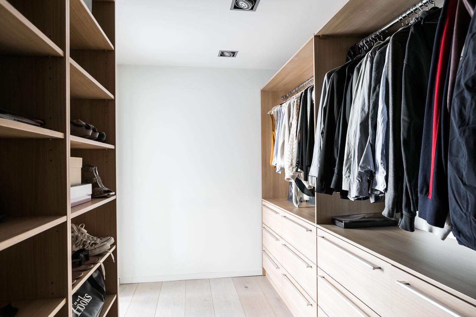 Tilava vaatehuone makuuhuoneen yhteydessä  Etuovi com Ideat & vinkit
