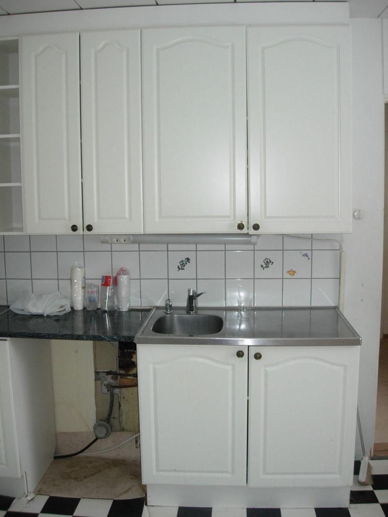 Rintamamiestalon remontti - keittiö ennen