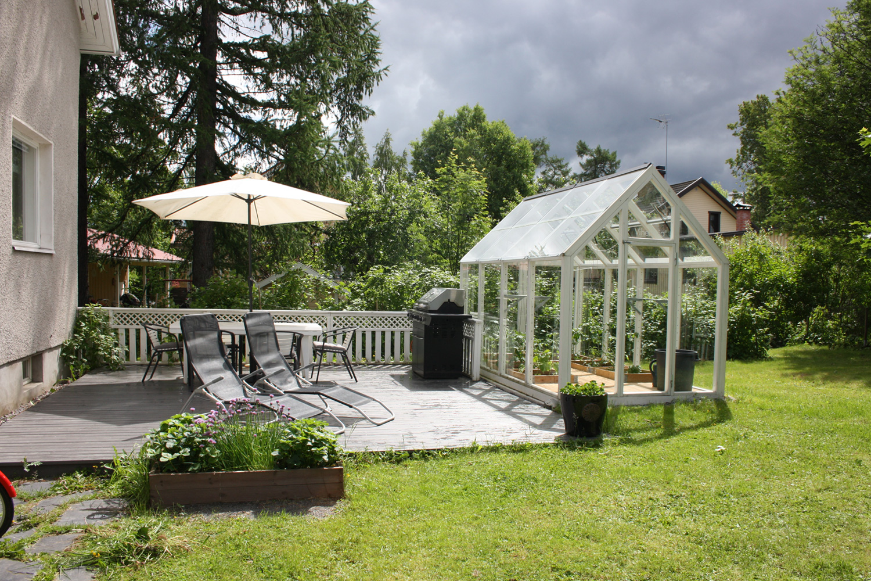 piha, puutarha, rintamamiestalo