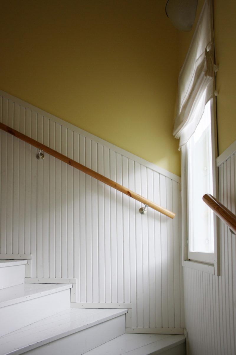 Rintamamiestalon remontti - valmis portaikko