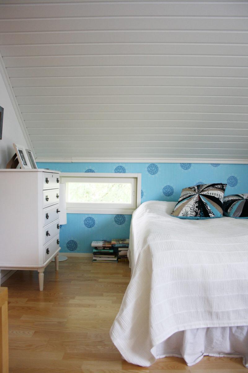 Rintamamiestalon remontti - valmis yläkerran makuuhuone