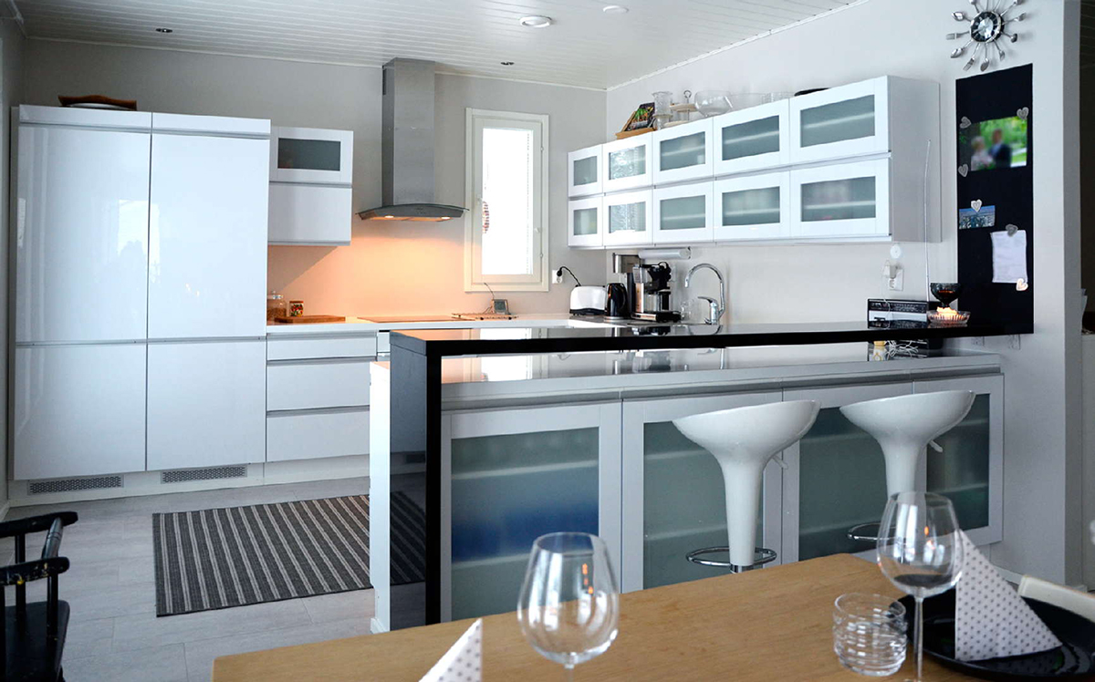 moderni keittiö, valkoinen keittiö
