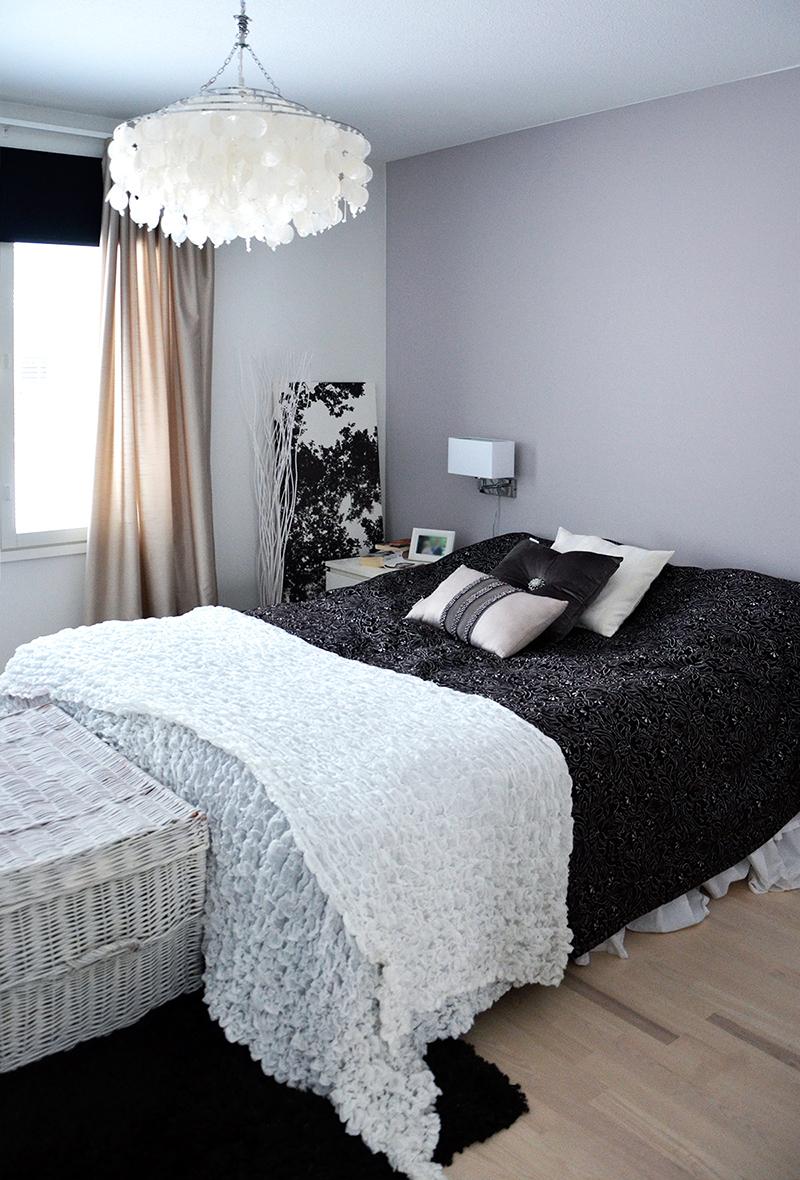 makuuhuone, koristetyynyt, kristalli
