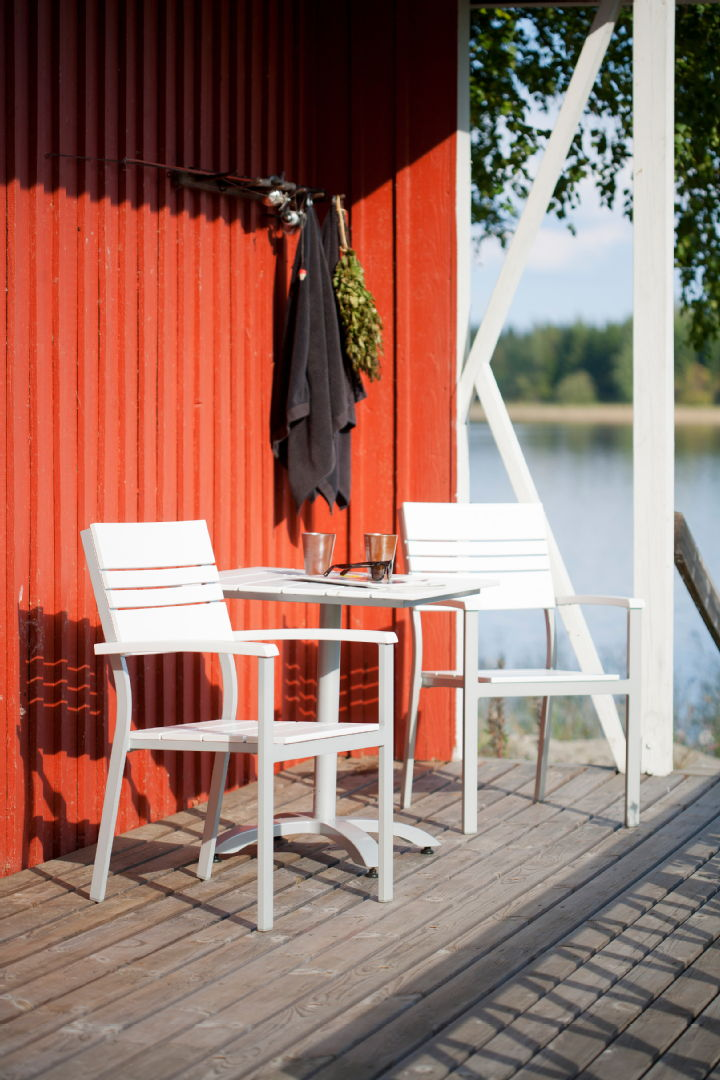 Laituri-sarjan pöytä ja tuoli - Isku