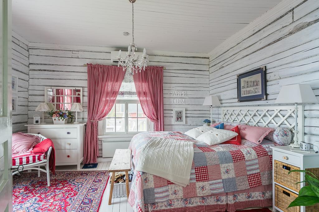hirsitalot makuuhuone maalaisromanttinen