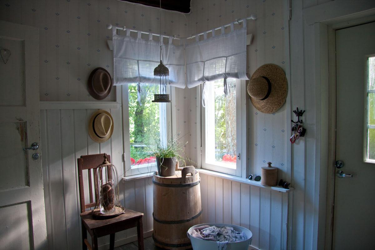 Eteinen - pieni talo