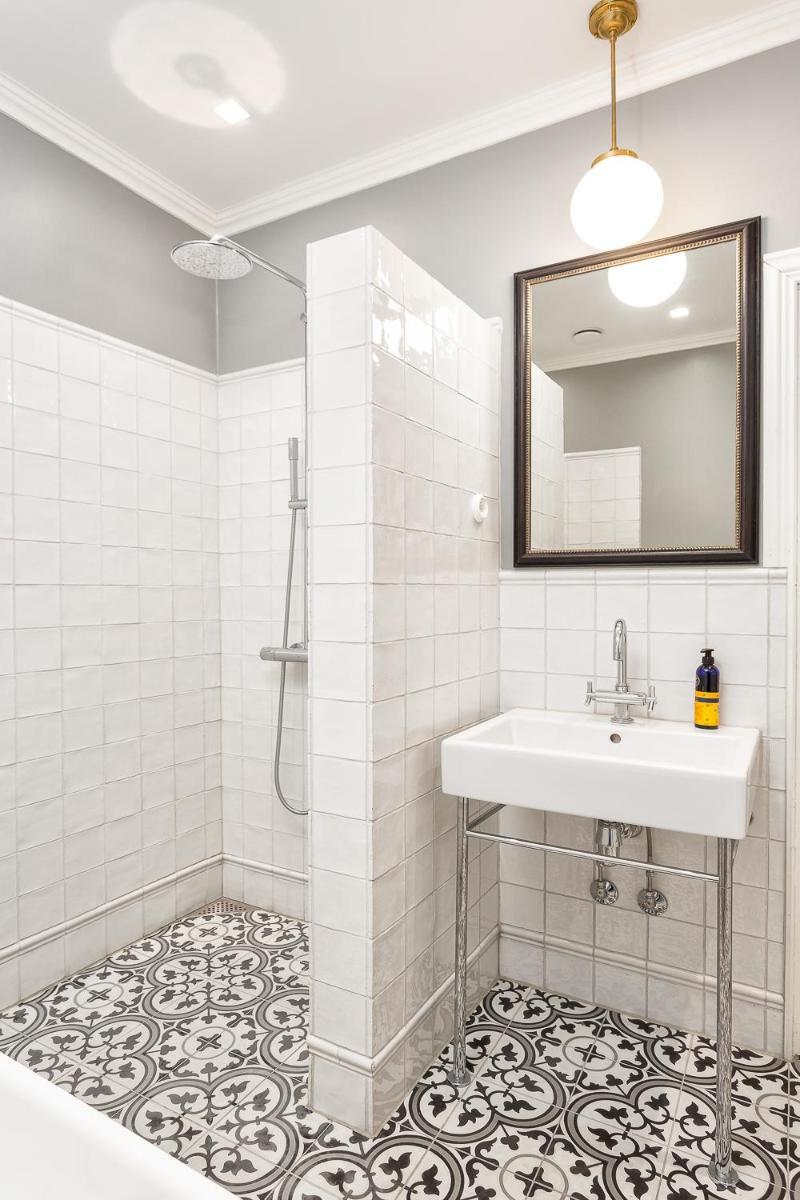 Kylpyhuone Laatat