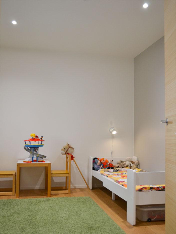 Kivitalon lastenhuone