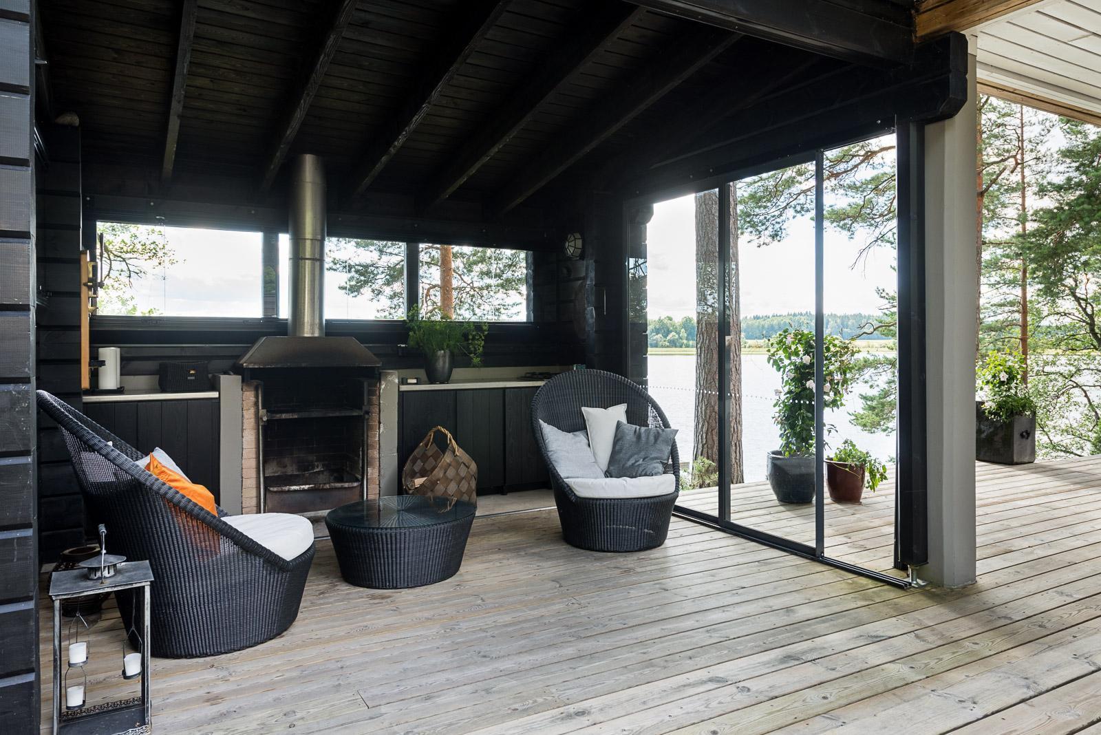 Moderni kesäkeittiö järvinäköalalla  Etuovi com Ideat & vinkit