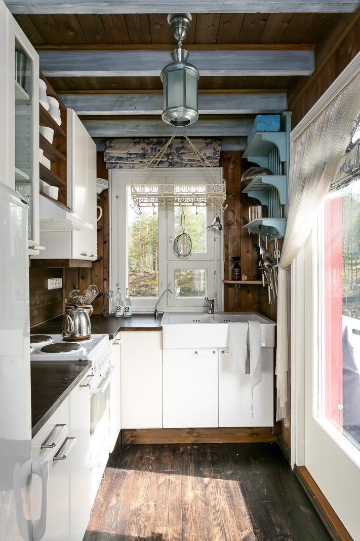 Suloinen pieni keittiö mökissä  Etuovi com Ideat & vinkit