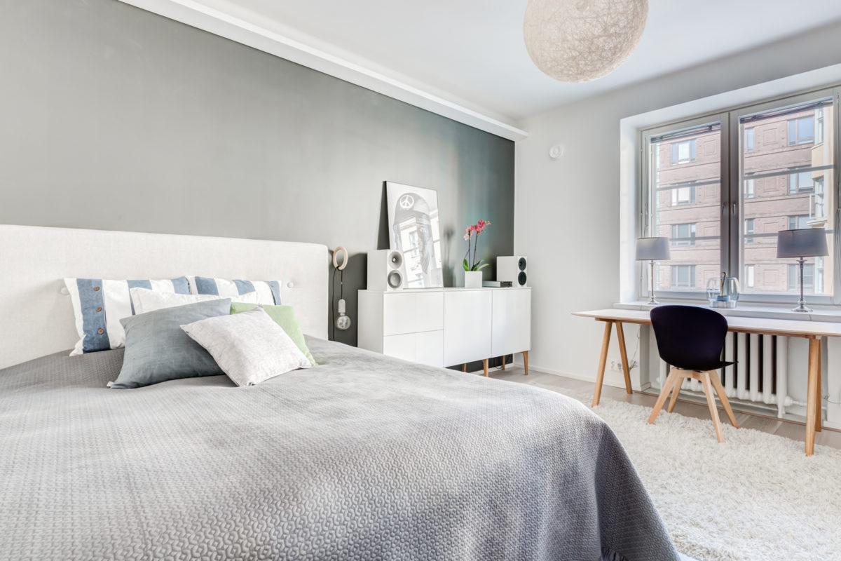remontoidun kaksion tilava makuuhuone