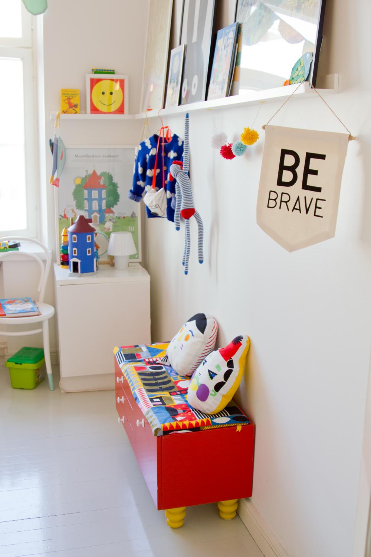 värikäs sisustus skandinaavinen lastenhuone
