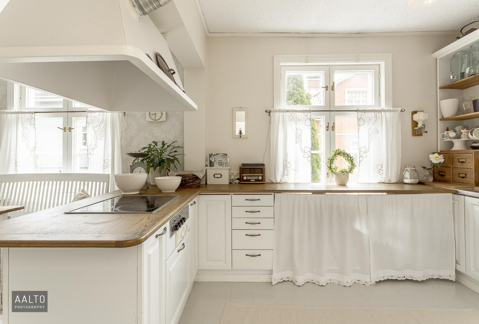 Puutalon kaunis keittiö  Etuovi com Ideat & vinkit