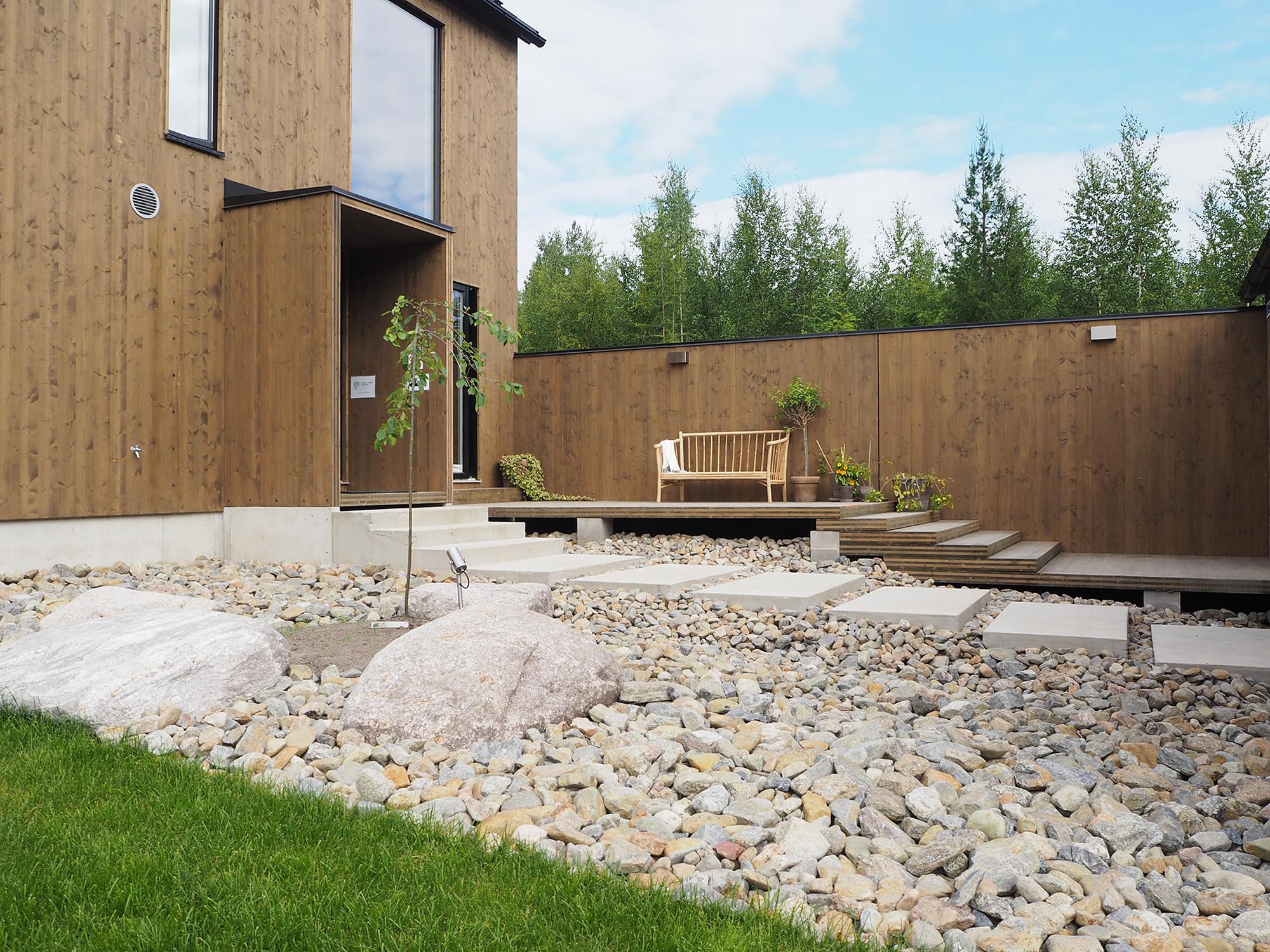 Piha kohteessa Kotola, Asuntomessut 2016 Seinäjoki, moderni talo