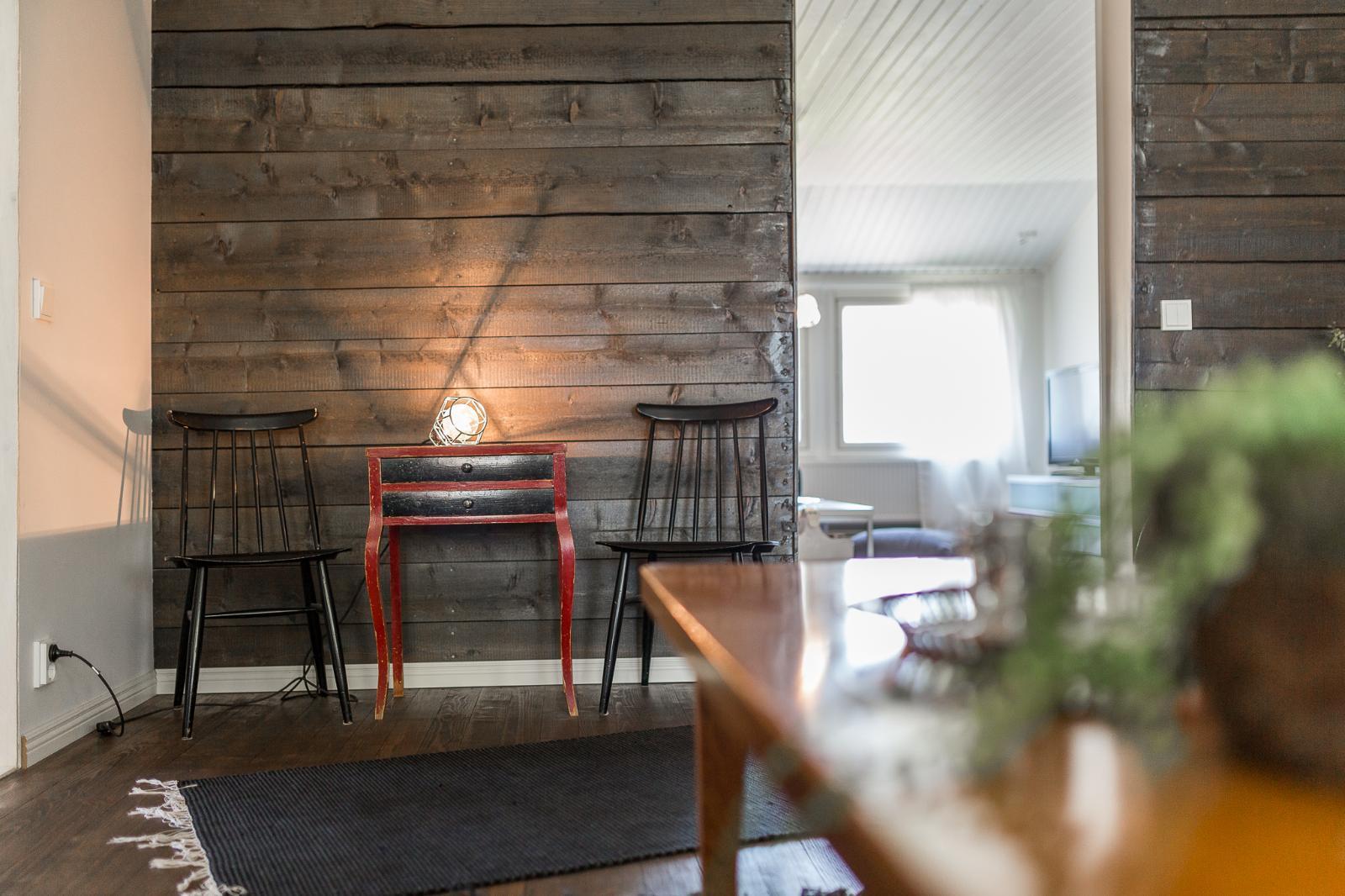 Kaunista puupintaa olohuoneen seinällä  Etuovi com Ideat & vinkit