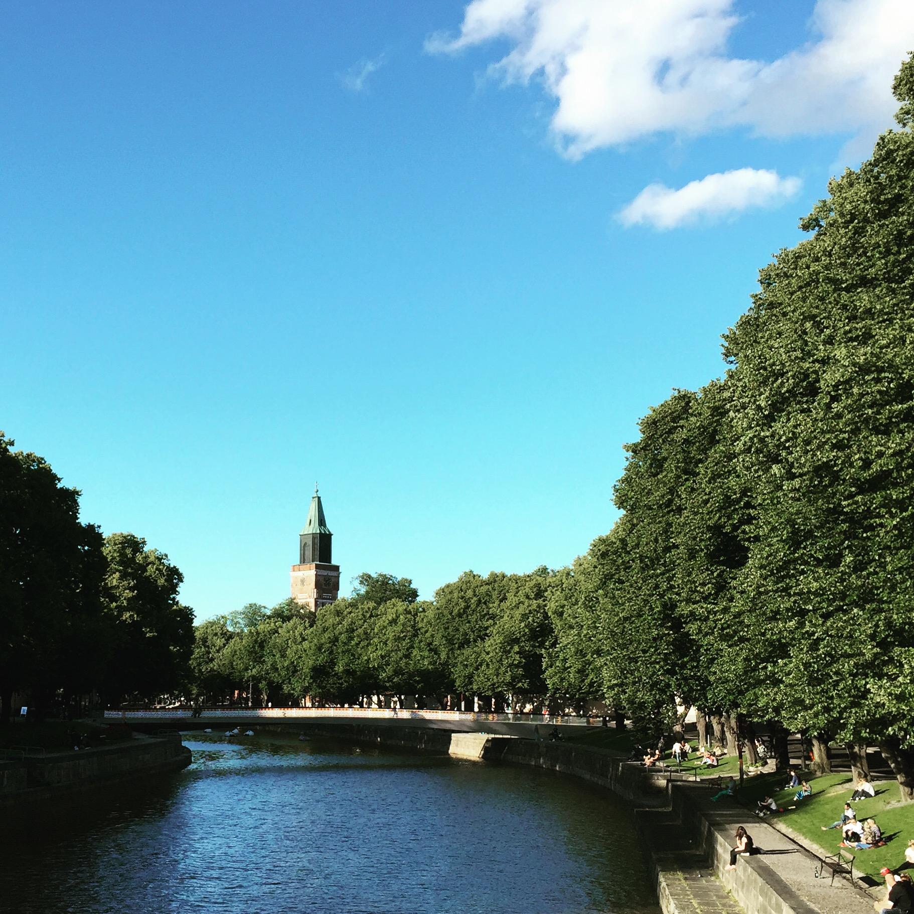 Aurajoki kulkee Turun keskustan halki