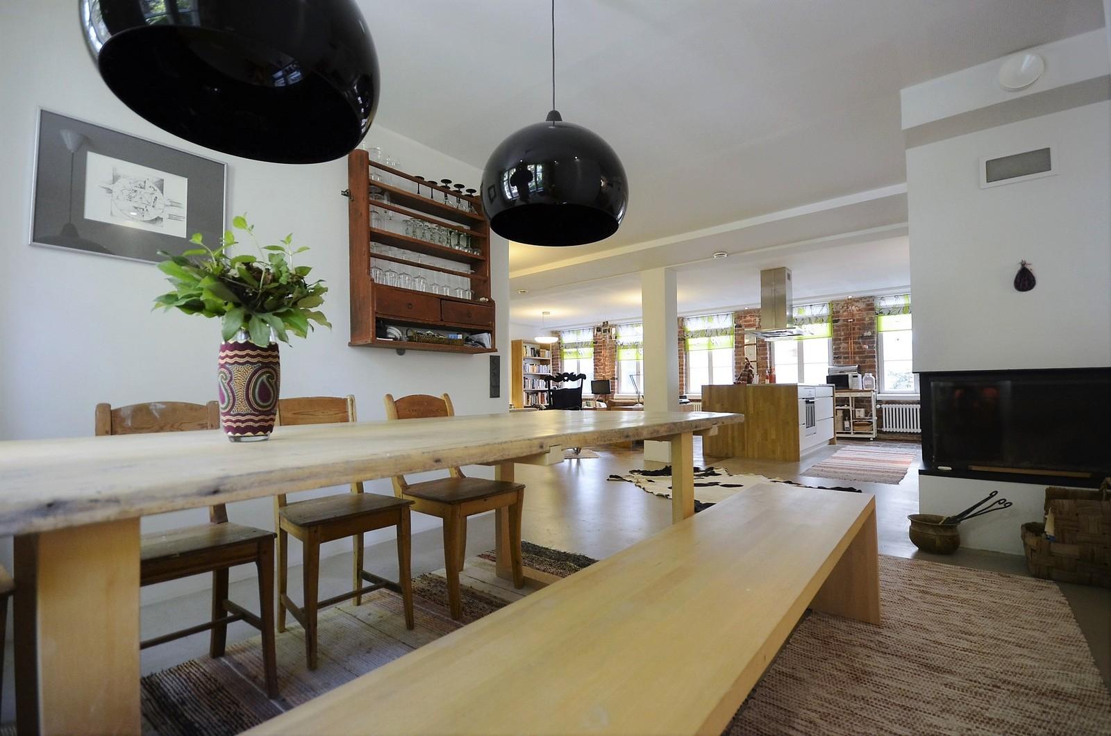 Tilava ruokailutila loft asunnossa  Etuovi com Ideat & vinkit