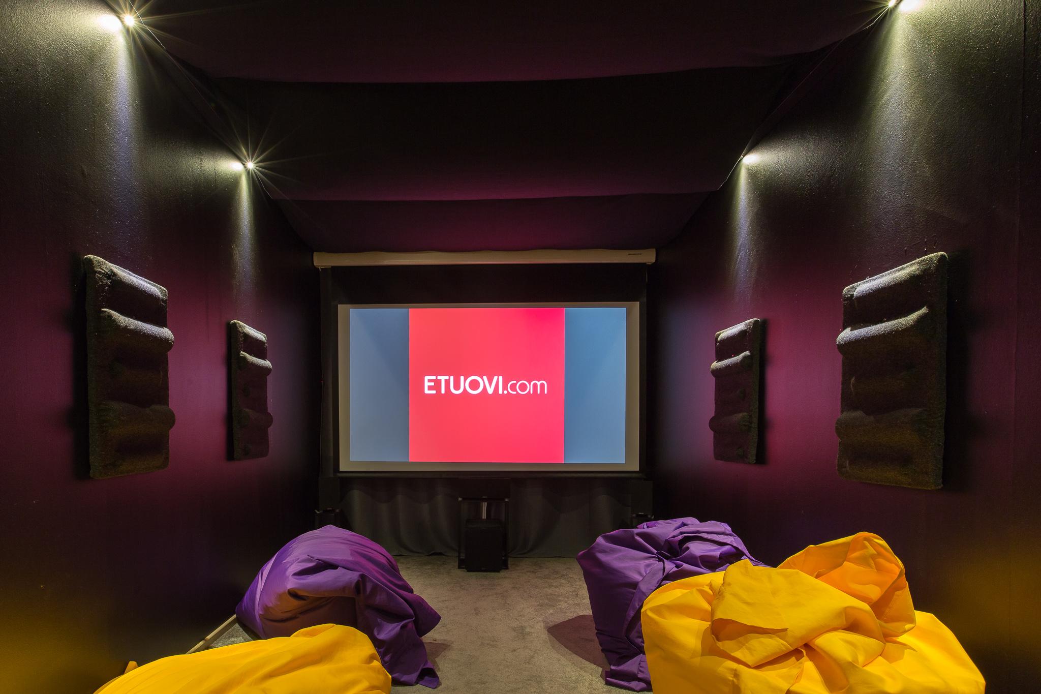 Makuuhuoneesta elokuvahuone