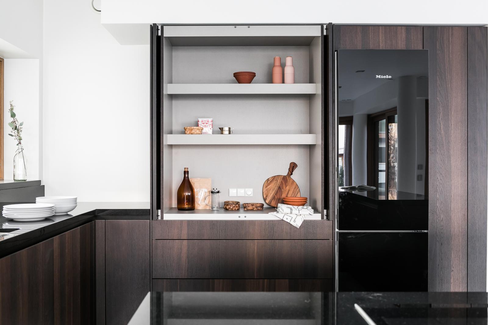 Aamiaiskaappi on kätevä säilytysratkaisu keittiössä  Etuovi com Ideat &