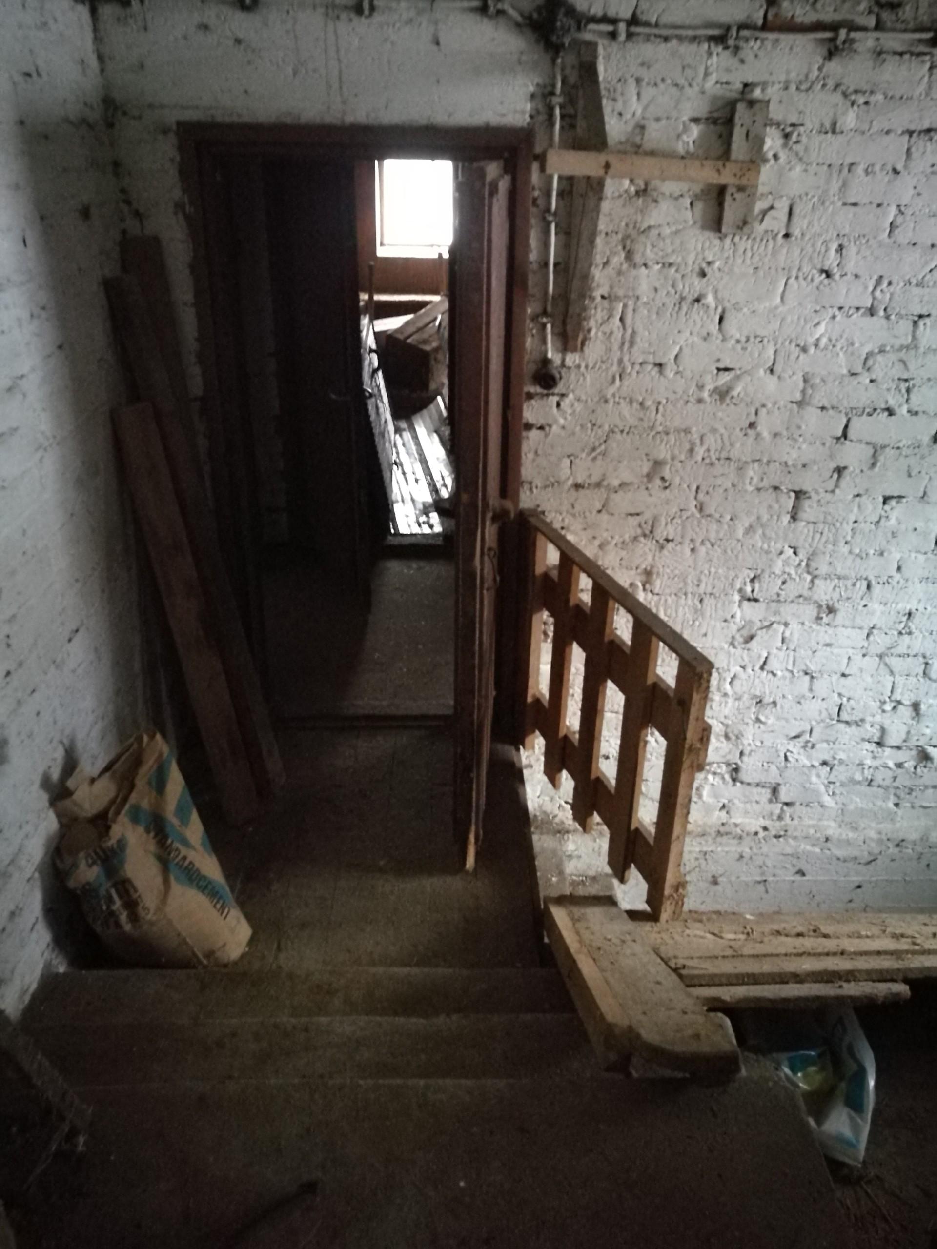 maatilan vanha navetta pitää raivata remontin tieltä