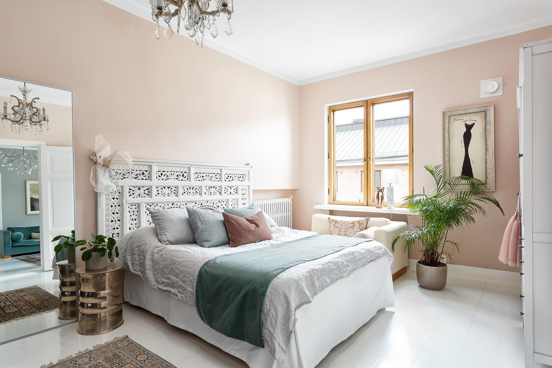 Romanttista tunnelmaa arvotalon makuuhuoneessa  Etuovi