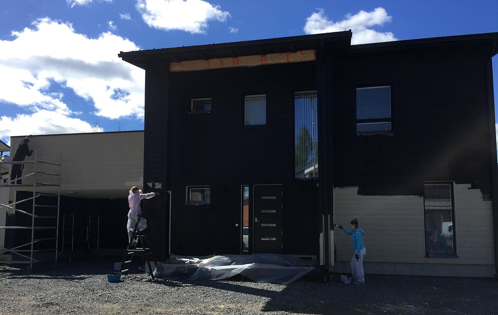 Maalaustalkoot - uuden talon maalaus