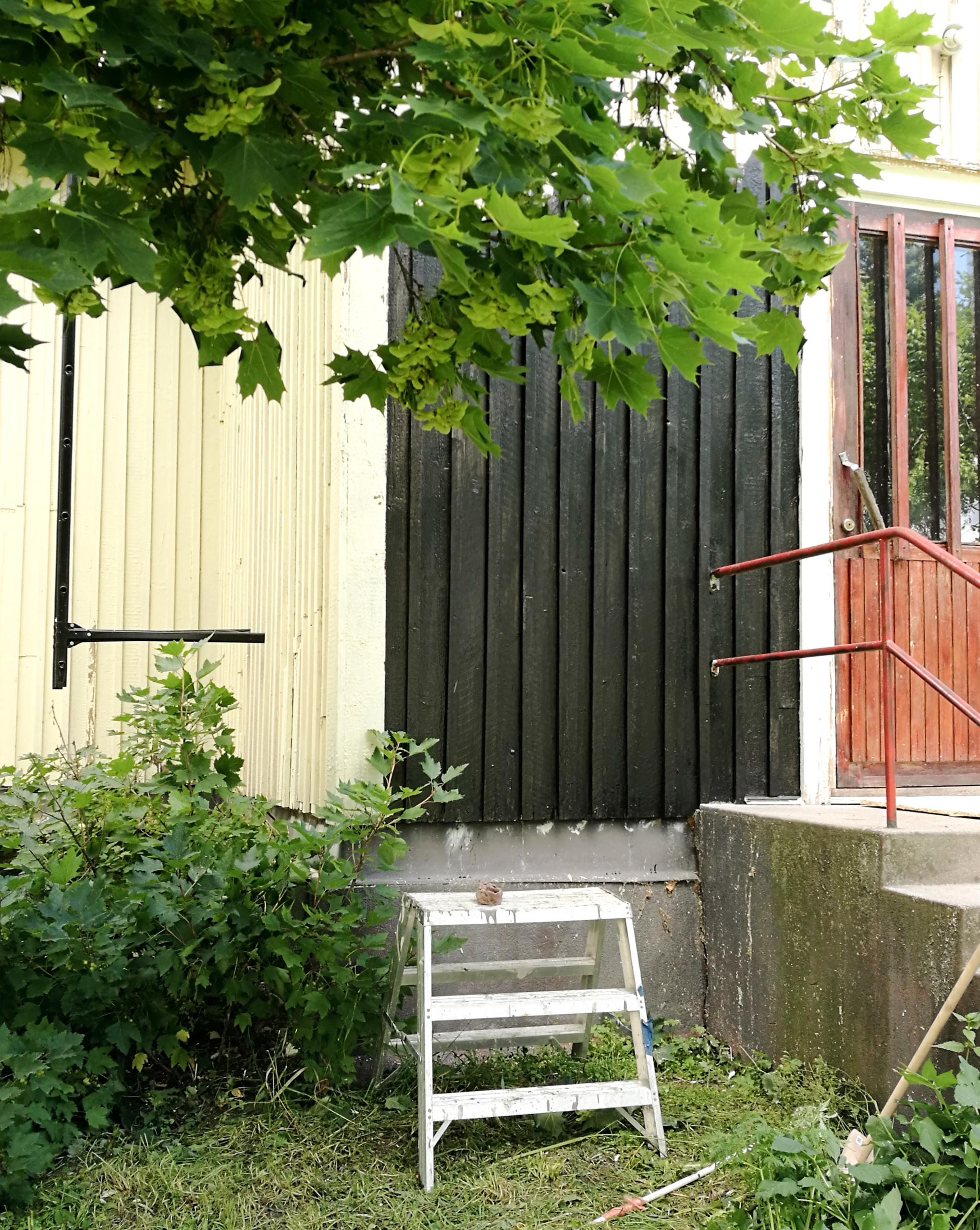 vanhan talon ulkomaalin väri