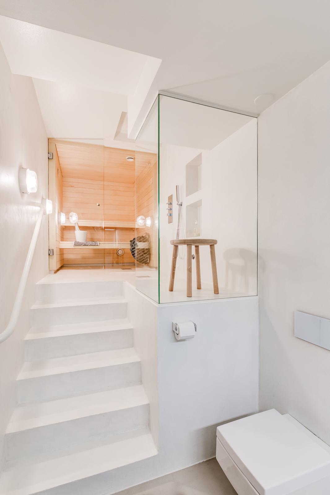 moderni sauna kylpyhuone