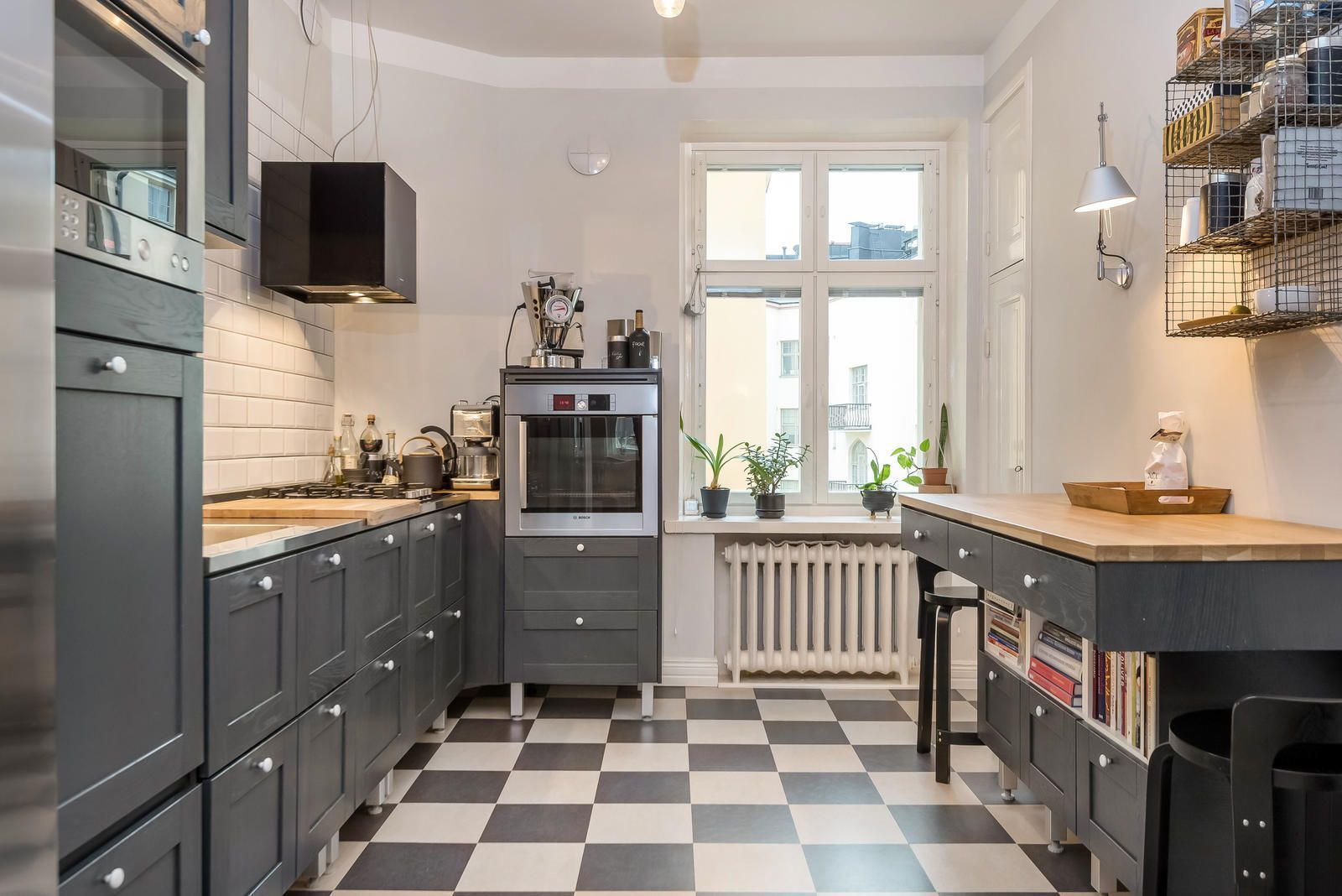 klassinen sisustus keittiössä