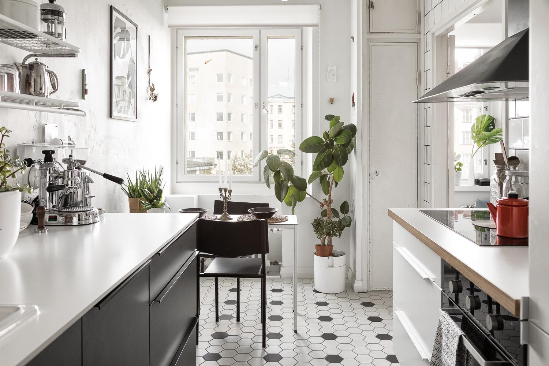 mustavalkoinen skandinaavinen keittiö