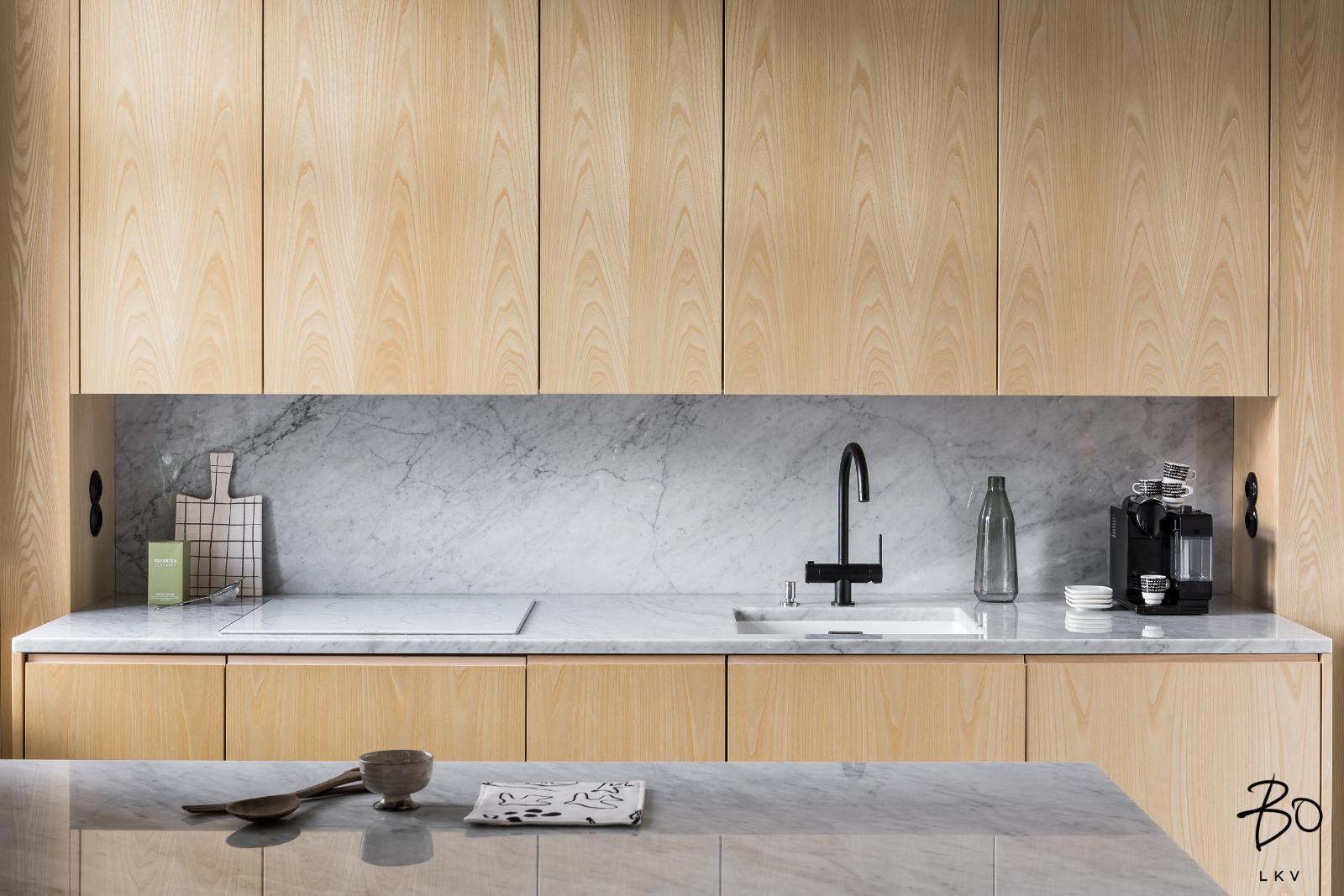marmori keittiön välitilassa