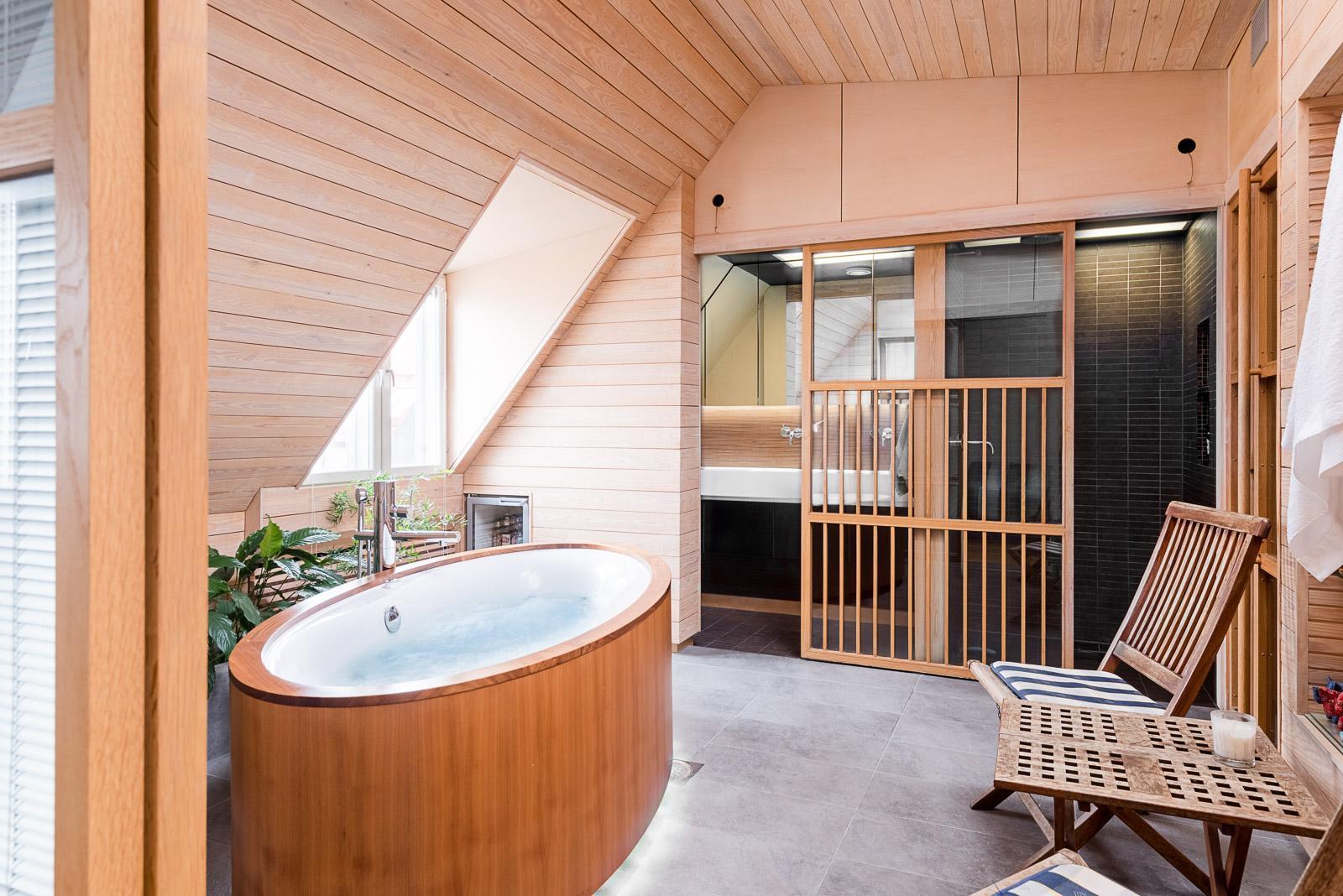 punavuori poreamme kylpyläosasto kattohuoneisto