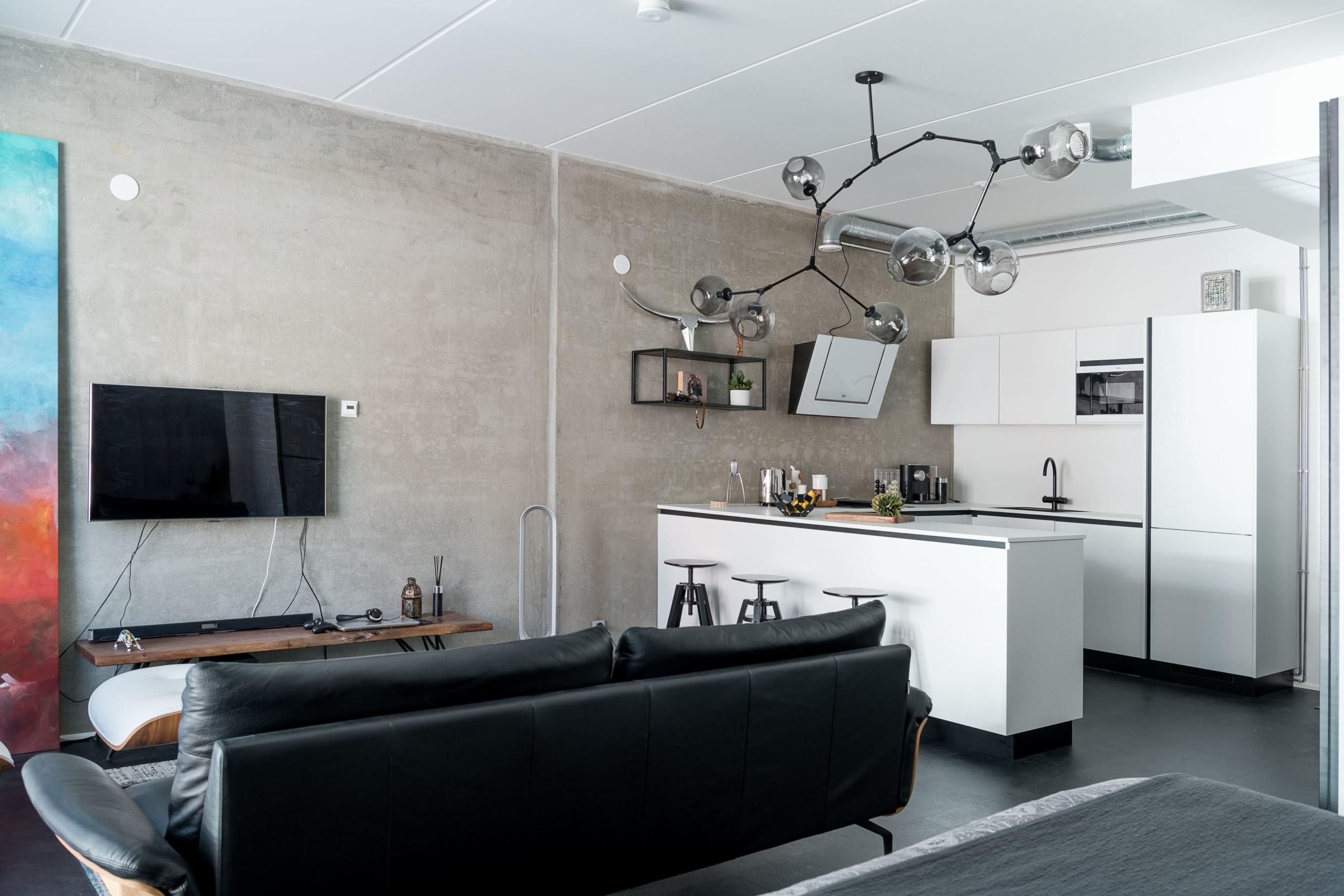 loft asunto, keittiö ja olohuone