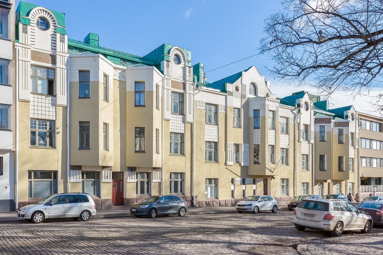 ullanlinna myytävät asunnot helsinki